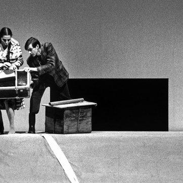 """Annette Elster und Sibrand Basa (Barbara und Kudrjasch) in """"Katja Kabanová"""" (Leoš Janáček), Theaterfotografie von 1996"""