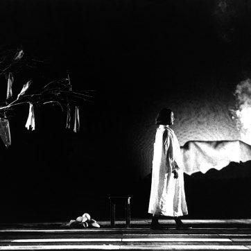 "Aleicia Byrnes-Harris (Kundry) in ""Parsifal"" (Richard Wagner), Theaterfotografie von 1996"