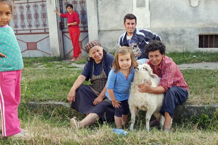 In Bußd / Buzd lebt noch eine sächsiche Familie. Die Bevölkerungsmehrheit im Ort stellen inzwischen andere. Die Sachsen sind nicht zuhause - wir schauen uns trotzdem um...