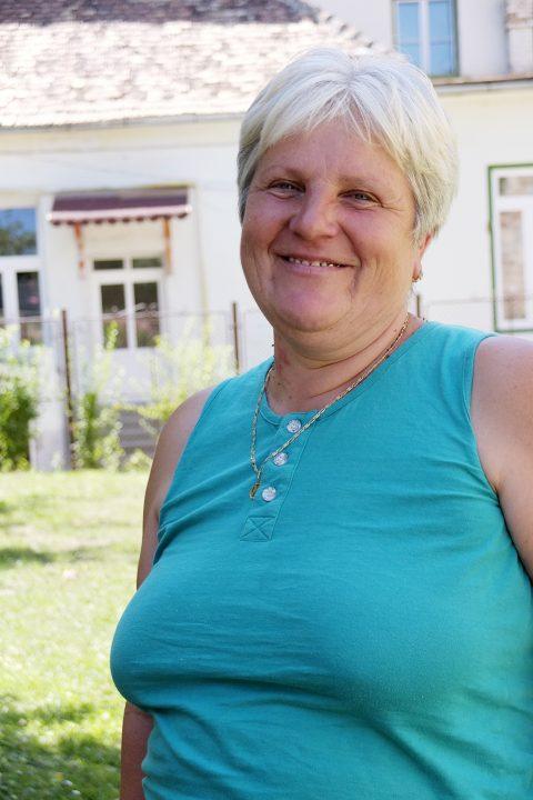 """""""Marianne von Menschen"""", wie sie sich selbst scherzhaft nennt, ist die Burghüterin. Sie war schon einige Jahre nach Deutschland ausgewandert, als sie sich entschloss, zurück in ihre Heimat zu kommen."""