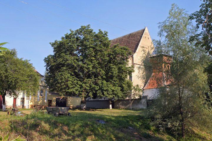 Im Nachbarort Tobsdorf (Dupus) ist der Burghüter ein Ungar...