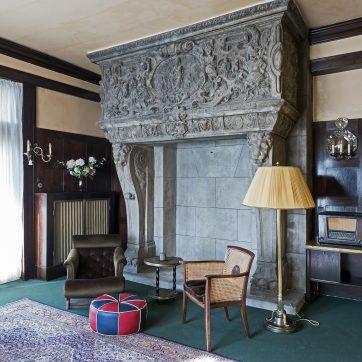 Der englische Kamin aus Beton war der Hausherrin wohl nicht auszureden...