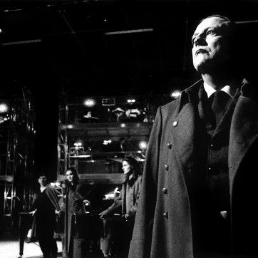 """Barry Hanner (Hermes) in """"Prometheus"""" (Carl Orff), Theaterfotografie von 1996"""