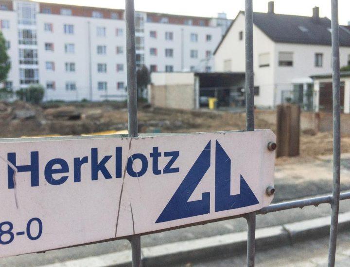 """Aus der kleinen Reihe """"lustige Namen für Ihre Baufirma"""": in der Südstadt wird nicht gekleckert, sondern her- und hin geklotzt.."""