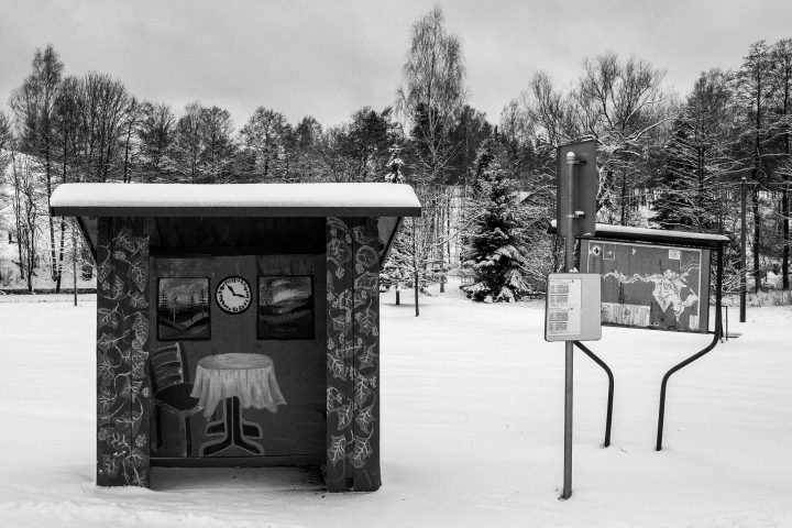 Bushaltestelle in Nordböhmen