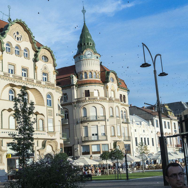 Oradea (deutsch: Großwardein, ungarisch: Nagyvárad, slowakisch: Veľký Varadín, Latein: Magnovaradinum)