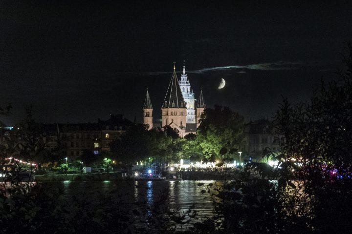 Mainz, Dom, Mond, Rhein
