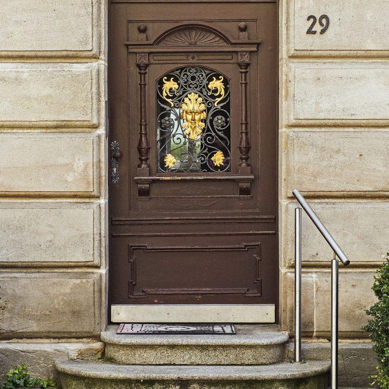 Eingang zur ehemaligen Fabrikantenvilla - G.Z. für Georg Zimmermann