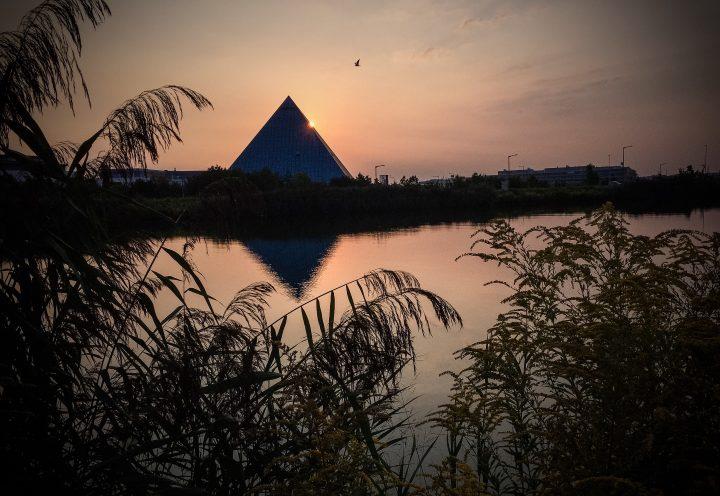 Pyramide am Rhein-Main-Donau-Kanal