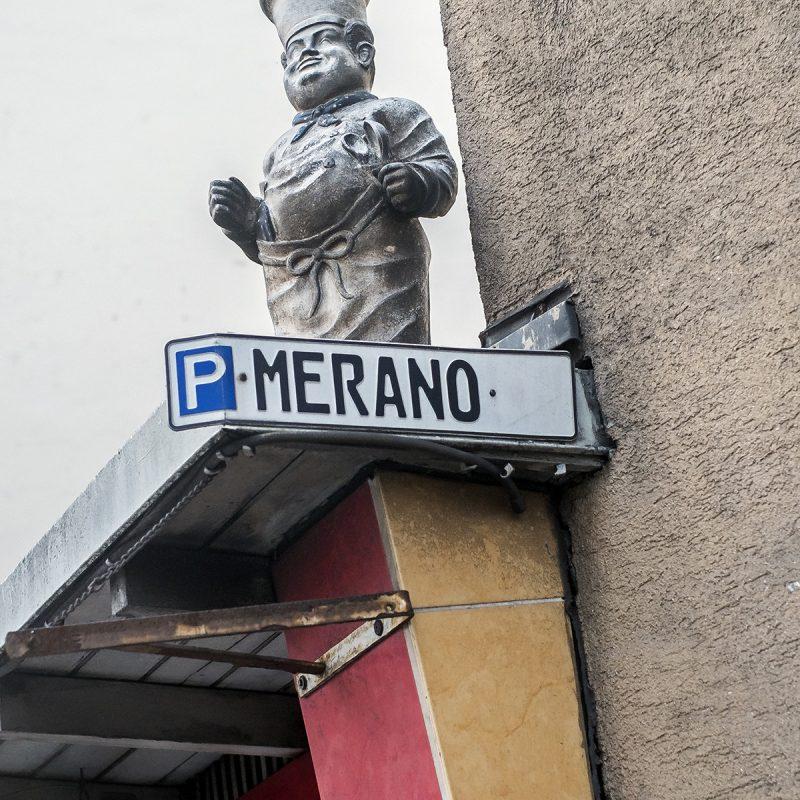 ...unmittelbar südlich davon liegt Merano