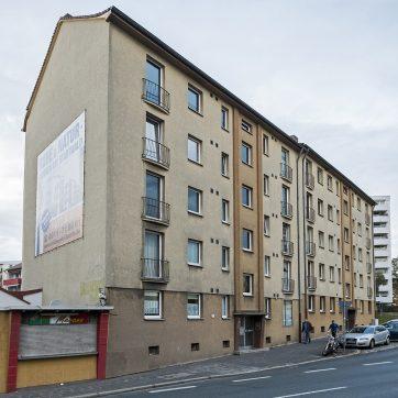 Erlanger Straße 39 und 41, zwei Wohnblocks der Nachkriegsmoderne