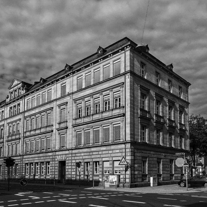 Amalienstraße Ecke Schwabacher Straße