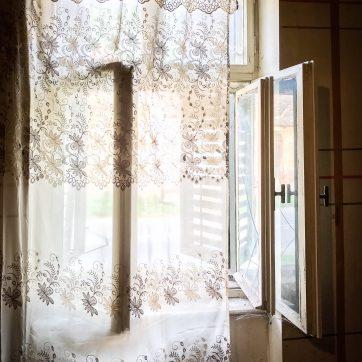 originale Doppelfenster im Wohnhaus