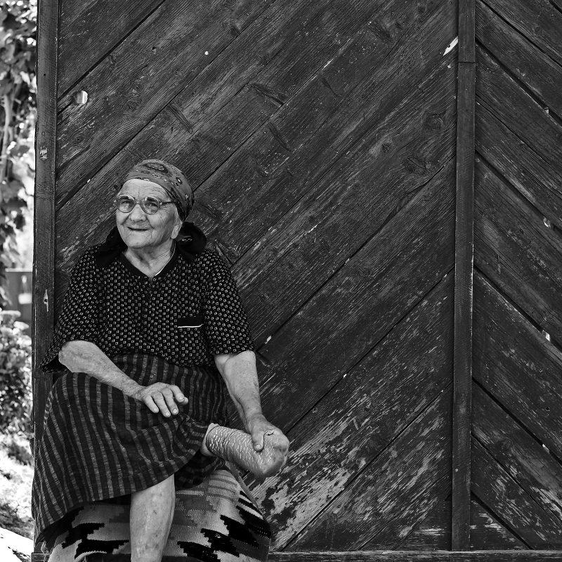 Dame in Valchid / Waldhütten