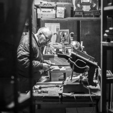 ...aber erst dieses Jahr bin ich auf eine kleine Werkstatt in Acquapendente gestossen, wo die Teile gefertigt werden.