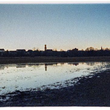 Wiesengrund, Überschwemmung, Rathausturm