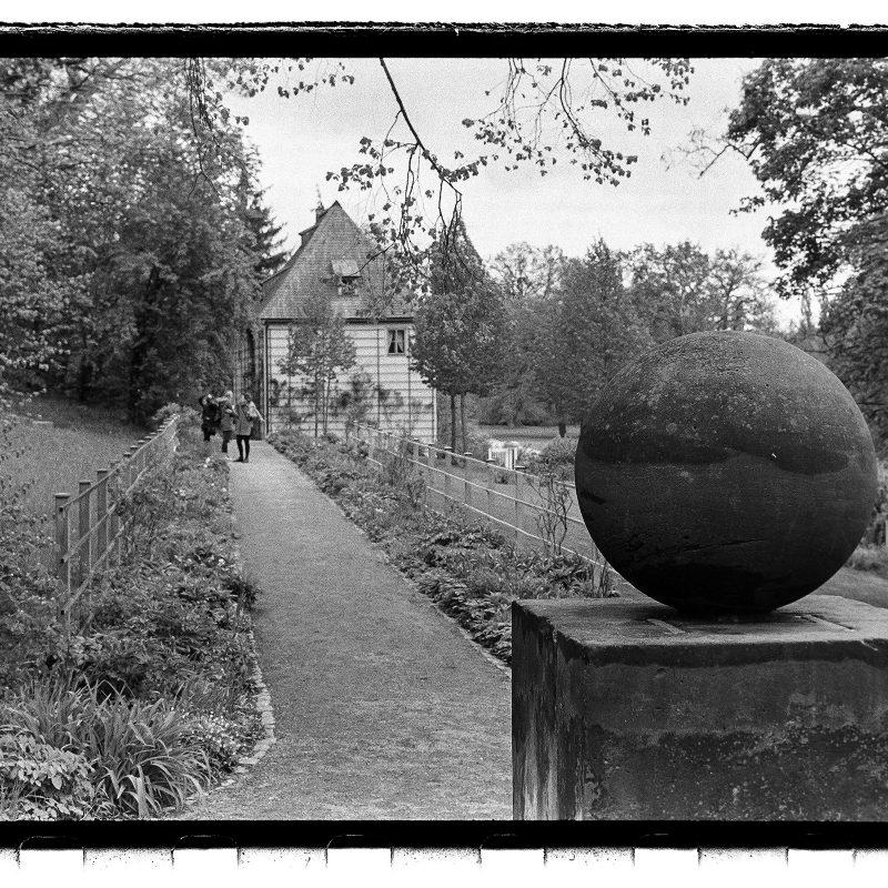 Das Runde auf dem Eckigen (Der Stein des guten Glücks)