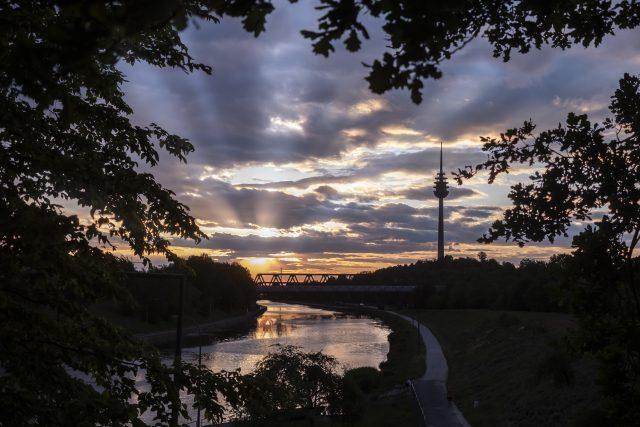 Sonnenuntergang am Rhein-Main-Donau-Kanal, Nürnberg