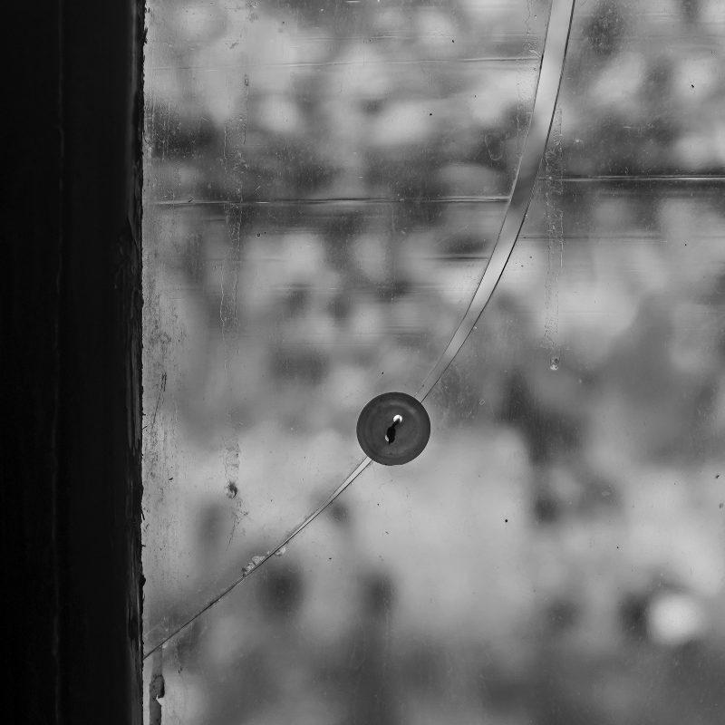 geniale Methode, um eine gebrochene Glasscheibe zu reparieren...