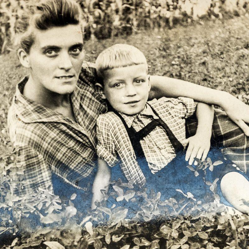 Dan mit seiner Mutter
