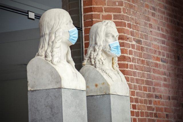 Renaissance mit Maske