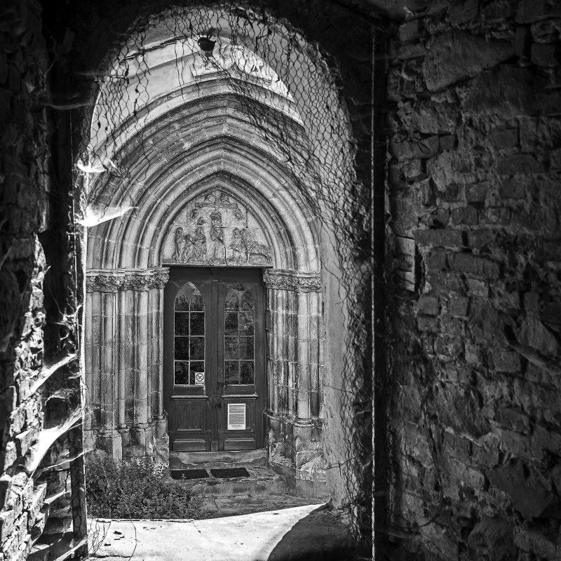 Portal der Kirche in Reichesdorf