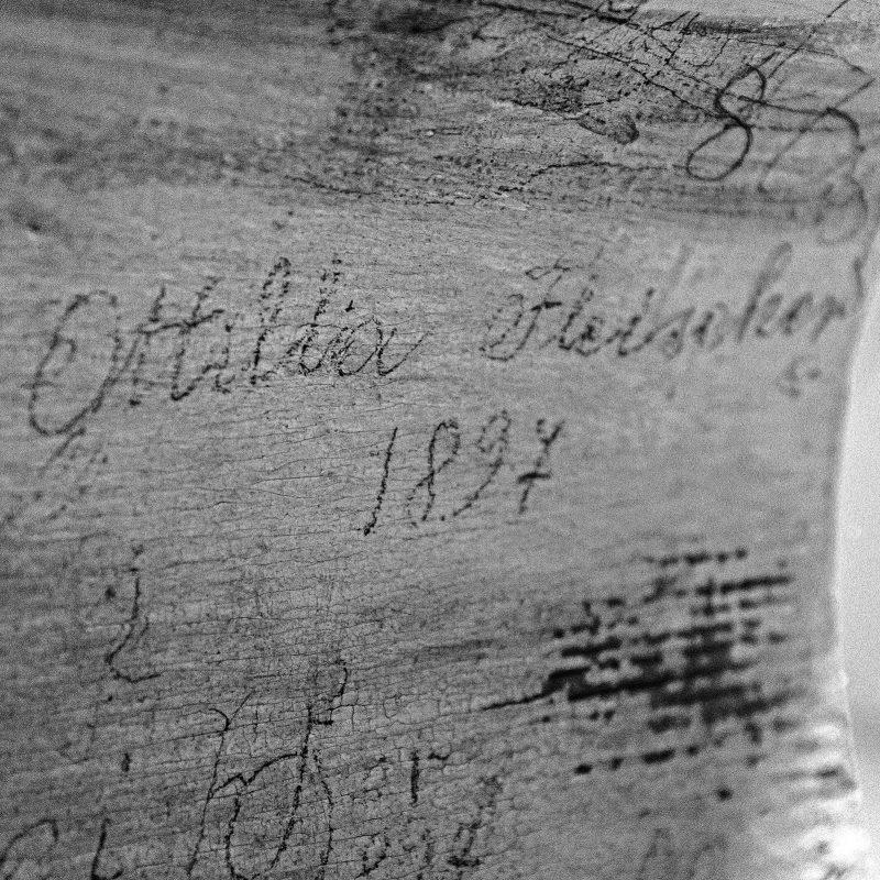Ottillia hatte 1897 offenbar das dringende Bedürfnis, sich an der Orgel in Großkopisch zu verewigen...
