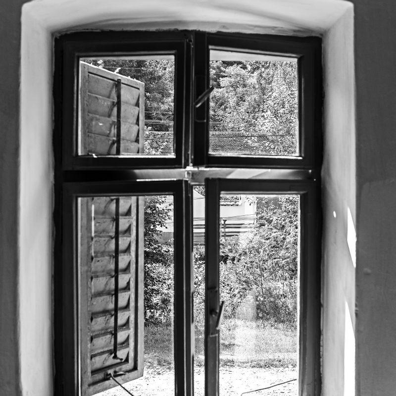 Fenster, einfach verglast aber doppelt gestrichen