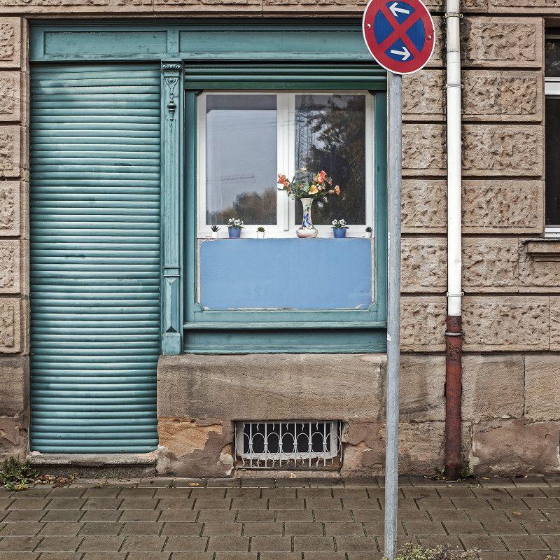 In der Cadolzburger Straße kämpft ein Farbfleck einen einsamen Kampf.