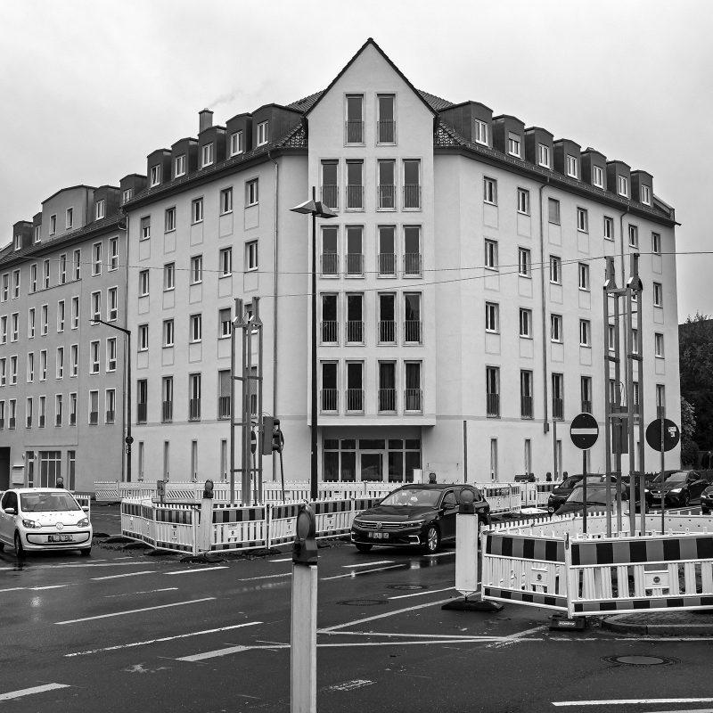 Während Fürth an der Ecke zur Würzburger Straße einen neuen repräsentativen Prachtbau erhält - würg.