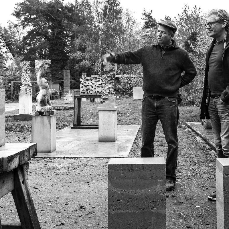 Ein Stückchen weiter kann man sich bei Tobias Rempp von dem Schock erholen und sehen, dass man auch Kunst aus Beton machen kann (sehr beeindruckende).